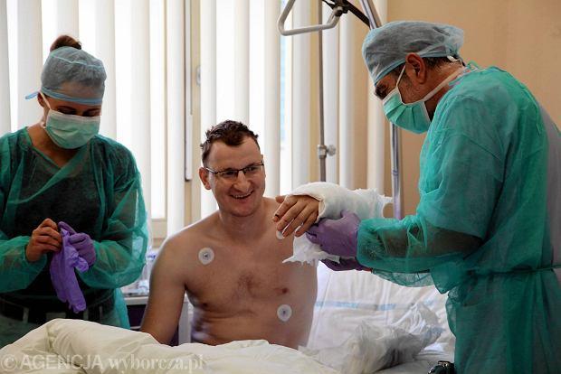 To oni wykonali pierwszą taką operację na świecie [SYLWETKI]