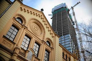 Zmiany w panoramie Warszawy. Wie�owce otocz� synagog�