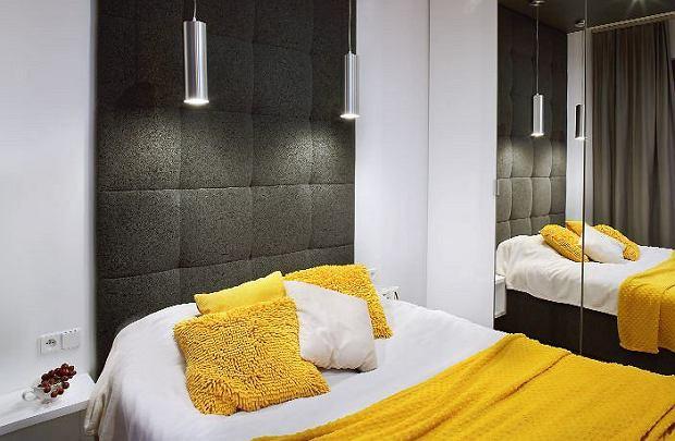Miękkie panele na ścianie za łóżkiem