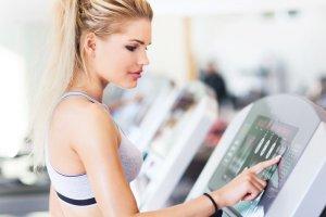 Etykieta na siłowni. 10 wskazówek poprawnego zachowania