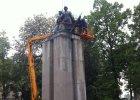 Pomnik �o�nierzy radzieckich znikn�� z placu Wolno�ci