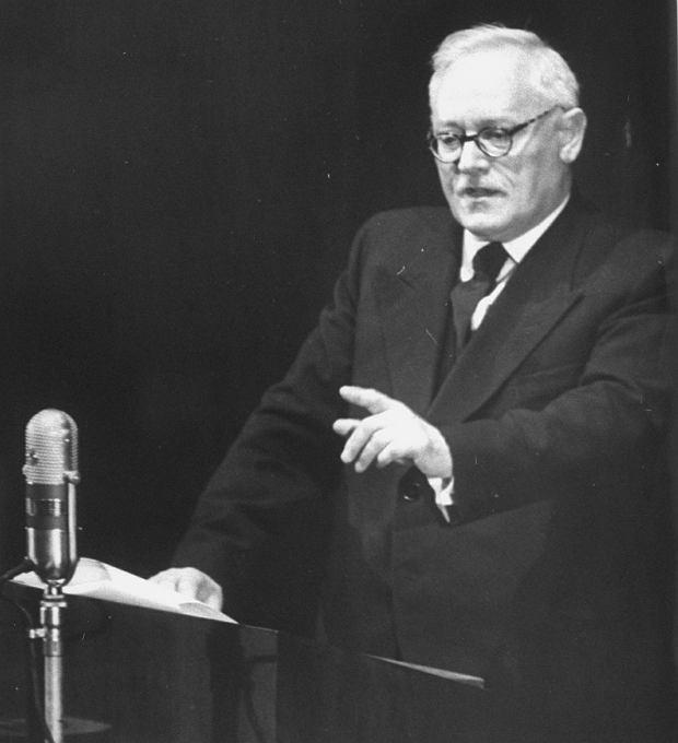 Nowy Jork, lata 50. Andriej Wyszynski, były prokurator generalny ZSRR, a wówczas minister spraw zagranicznych, przemawia podczas Zgromadzenia Ogólnego ONZ