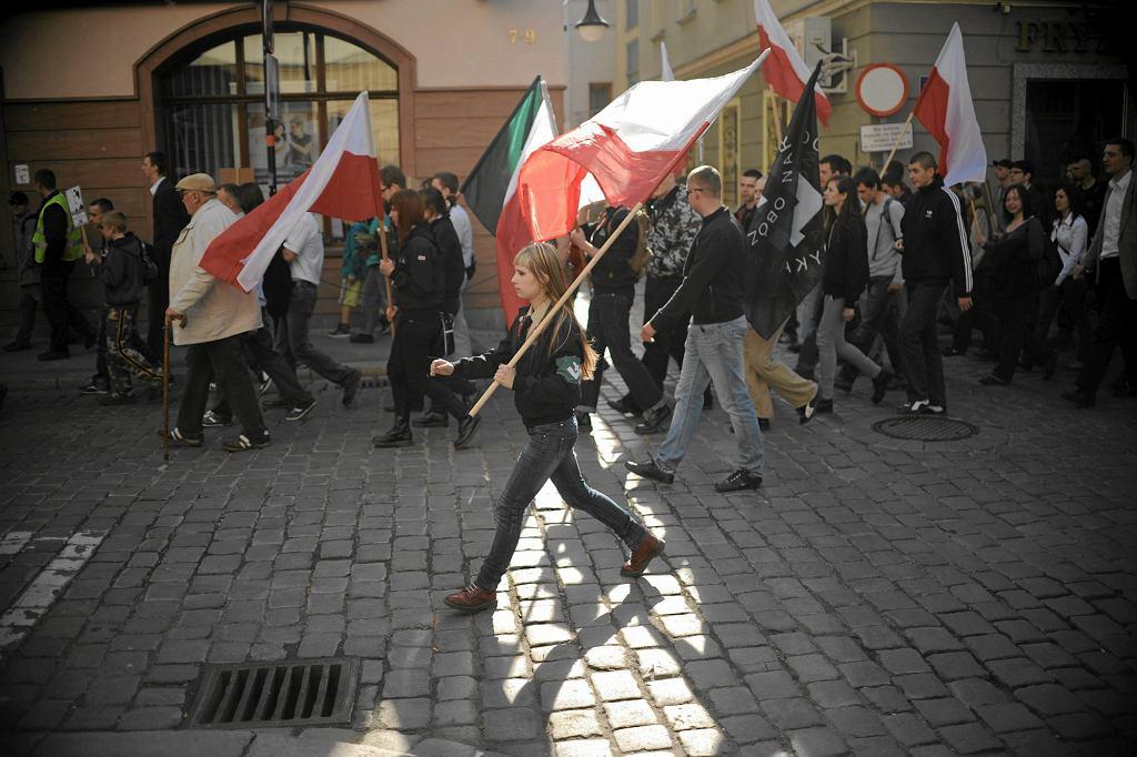 Marsz ONR w Opolu z okazji 77. rocznicy Powstania Warszawskiego, 2011 r. (fot. Michał Grocholski / Agencja Gazeta)