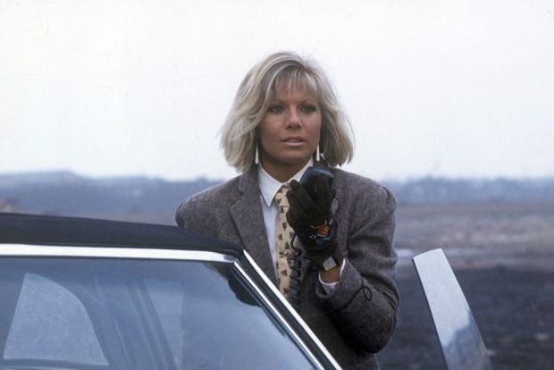 EDITORIAL USE ONLY / NO MERCHANDISING  Mandatory Credit: Photo by ITV / Rex Features ( 817129d )  'Dempsey and Makepeace'   TV Series 3: The Burning Glynis Barber  ITV Archive