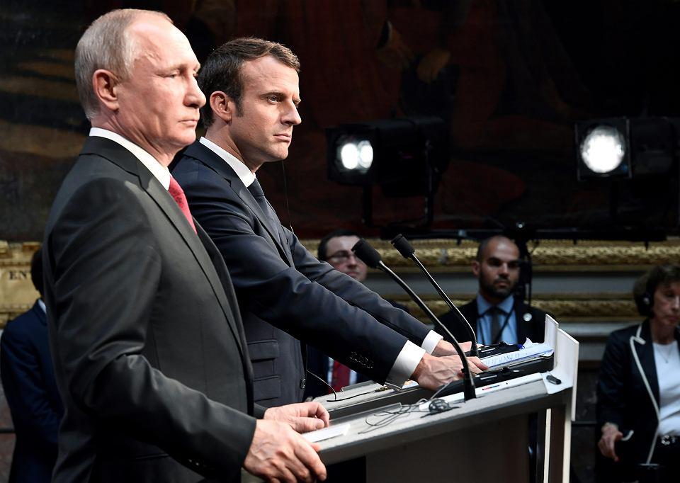 Prezydent Rosji Władimir Putin i prezydent Francji Emmanuel Macron podczas konferencji prasowej w Wersalu. Paryż, 29 maja 2017 r.