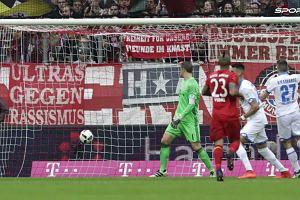 """Bundesliga. Bayern Monachium traci punkty. """"Bayern ma jakiś problem. Drużyna jest rozbita"""""""