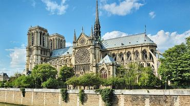 Jedna z najbardziej znanych katedr na świecie, gotycka katedra Notre Dame w Paryżu znalazła się na miejscu 13. Rocznie zwiedza ją 13,650,000 osób.