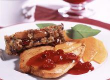 Sznycelki z indyka z pasztetem i sosem żurawinowym - ugotuj