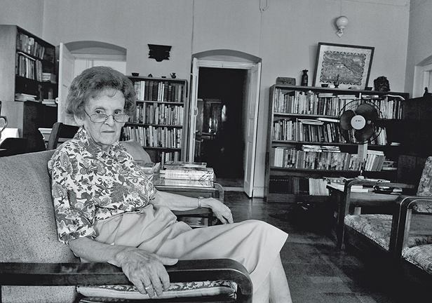 Elizabeth Hawley dla wielu wspinaczy jest jedynym obiektywnym rozjemcą: zdobył szczyt czy oszukał?