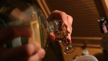 Rz�d chce wprowadzenia ceny minimalnej alkoholu - 32 z� za p� litra w�dki