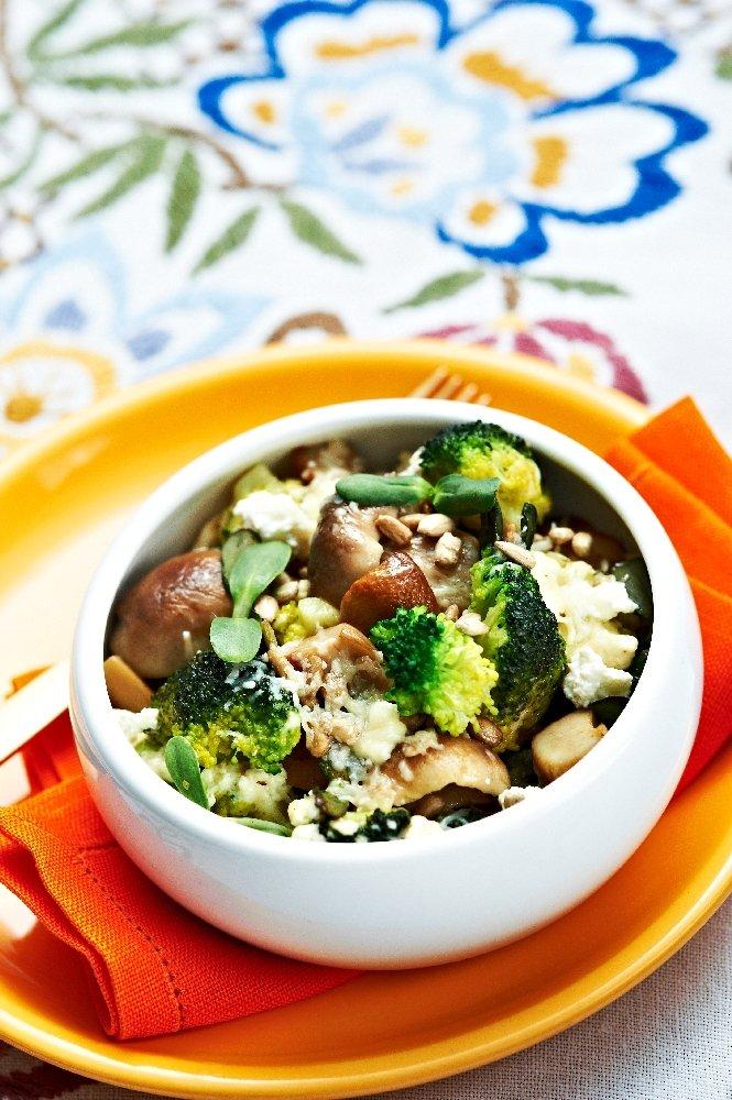 Grzyby z brokułami zapiekane z serem