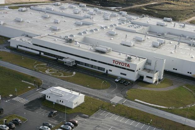 Toyota podnosi się po tsunami