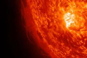 Piękne rozbłyski na Słońcu zakończyły rok 2011
