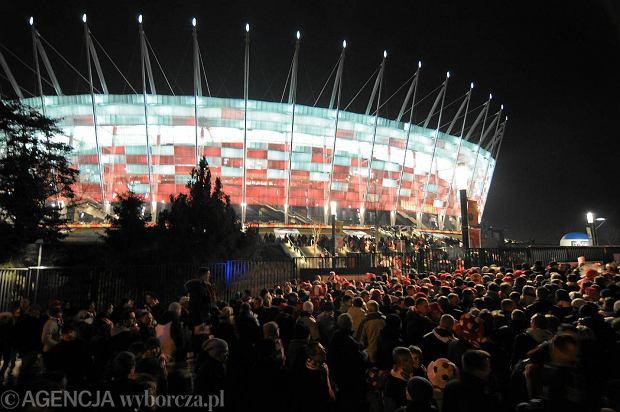 Polska gra z Czarnog�r�. Pi�tkowe zmiany w komunikacji