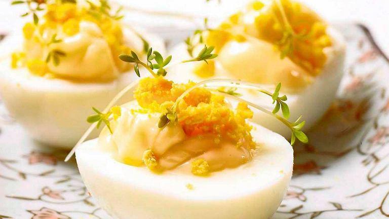 Jaja zawierają świetnie przyswajane białko, które zaspokoi apetyt na długi czas.