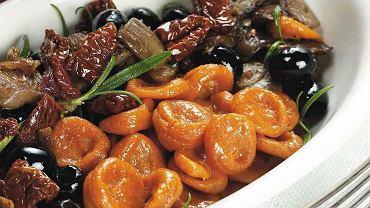 Pomidorowe orecchiette z boczniakami w rozmarynie