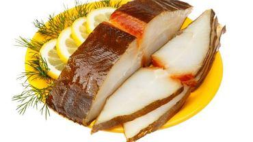 Halibut jest bogatym źródłem kwasów omega-3, białka oraz witaminy A