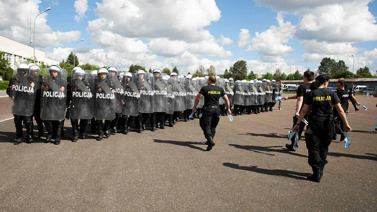 Ćwiczenia policji przed Euro 2012 na ul. Pienistej