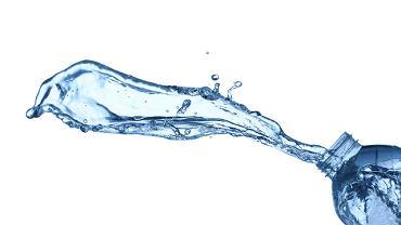 Człowiek podczas doby traci około 2-2,5 l wody