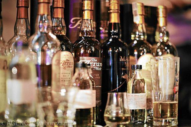 """Zaskakuj�cy skok. Kupujemy tyle whisky, �e awansowali�my na 11. miejsce na �wiecie. """"To nasze hobby. Szkocka wypiera w�dk�"""""""