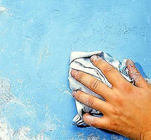 Malowanie ścian gąbką