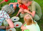 Zabawy z dzie�mi w ogrodzie