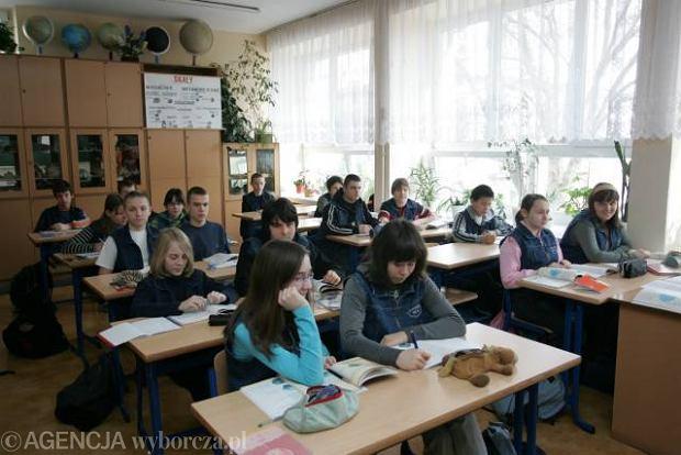 Gimnazja niepubliczne w Warszawie - informator