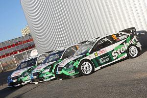 12 ci�ar�wek z ekwipunkiem Stobart Motorsport