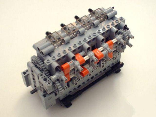 Model czterocylindrowego silnika firmy LPE Power zbudowany z klocków LEGO