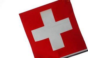 Szwajcaria utrzyma ograniczenia w dost�pie do rynku pracy