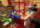 Sklep z drewnianymi zabawkami zn�w czynny