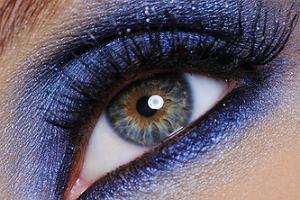 Jak dobra� cienie do koloru oczu?