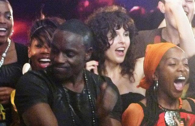 Ramona Rey i Akon na planie klipu