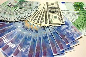 Pracownica banku przez sen przelała 222 mln euro emerytowi