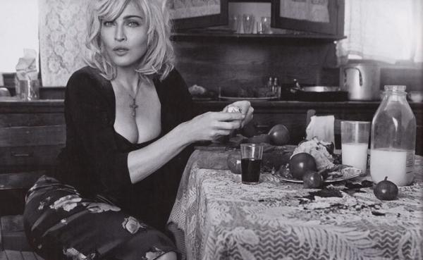 Dolce Gabbana kampania wiosna/lato 2010 Madonna