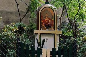 Święty patron hakerów odnaleziony na praskiej kamienicy