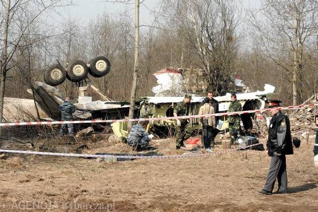 11.04.2010, Smole�sk. Szcz�tki polskiego samolotu