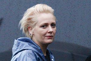 Kasia Nosowska pojawiła się już w Sopocie, gdzie wystąpi na festiwalu TOP Trendy 2010. Kasia postanowiła na tę okoliczność zmienić fryzurę i przefarbować się na modny blond.