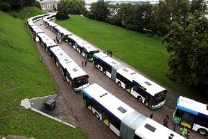 http://bi.gazeta.pl/im/9/8542/z8542369M,Za-kadencji-Krzystka-kupionych-zostalo-76-nowych-autobusow.jpg
