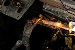 Zgin�� g�rnik w kopalni Knur�w-Szczyg�owice