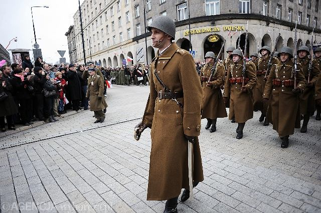 [Obrazek: z8648339V,Parada-wojskowa-z-okazji-Swiet...ci-w-W.jpg]