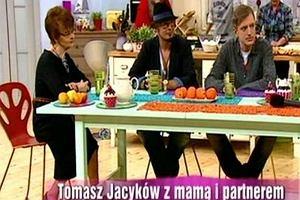 ''Mi�dzy kuchni� a salonem'' go��mi byli Tomasz Jacyk�w ze swoim partnerem - Tomkiem Jaworskim i mam� - Ew� Jacyk�w