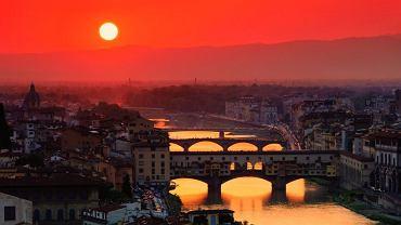 Florencja, Włochy. Florencja to miasto-zabytek, któremu nie oprze się najwybredniejszy wielbiciel sztuki. W mieście zakochają się także wielbiciele dobrej kuchni i  pięknych zachodów słońca.