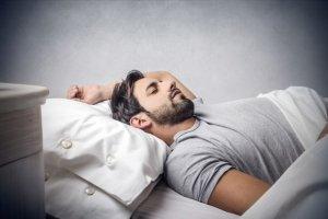 Dręczą cię stany depresyjne? Zdrowy sen może to zmienić!