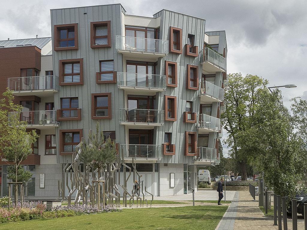 W nowej dzielnicy nie ma płotów (fot. Filip Springer)