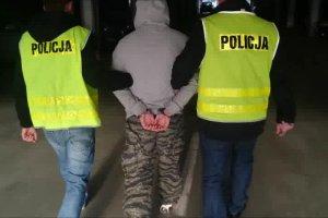 Zatrzymanie dilera narkotykowego. Policjanci znale�li u niego dopalacze i mefedron.