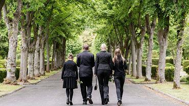 Wielu uprawnionych nie upomina się o zachowek po śmierci bliskiej osoby.