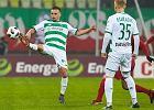 Trzymiesięczna dyskwalifikacja dla piłkarza Lechii Sławomira Peszki podtrzymana. Filip Mladenović na razie uniknął kary