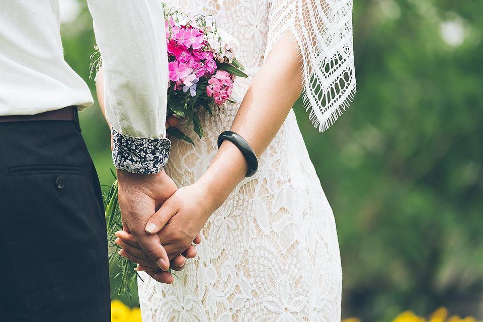 Idealny Pierścionek Zaręczynowy Nie Musi Kosztować Majątku
