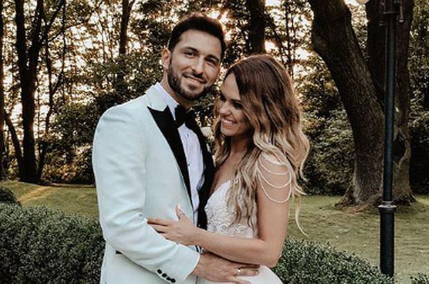 Rafał Maślak we wtorek wziął ślub. Żoną byłego Mistera Polski została jego wieloletnia partnerka, Kamila Nicpoń. Na weselu bawiło się sporo znanych osób.